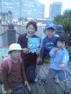 路上絵本読み聞かせ《聞かせ屋。》in横浜コスモワールド…続き