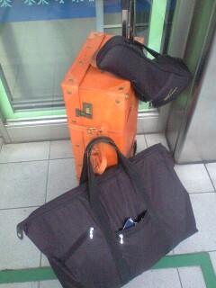 手荷物の限界に挑む男