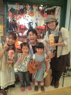 8月8日(日)の豊洲ドングリガーデンは、涙の最終公演です。