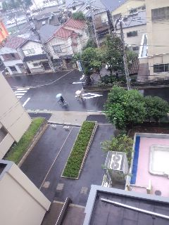 今日の路上は中止にします。雨!!