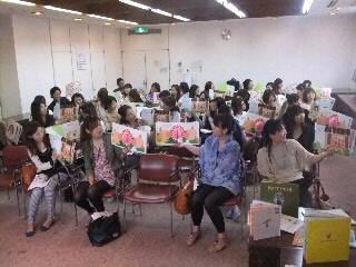 保育者研修会からの〜路上絵本読み聞かせ!