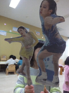 くるくるフィギアスケート人形